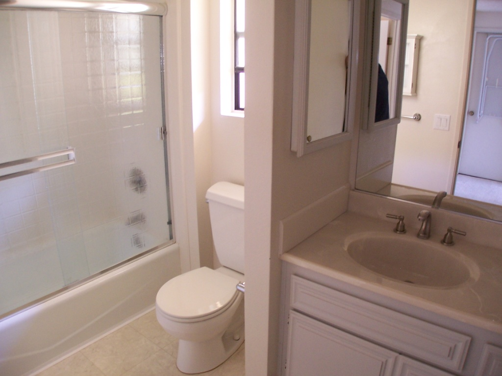Affordable Room For Rent In Luxury Townhouse Near San